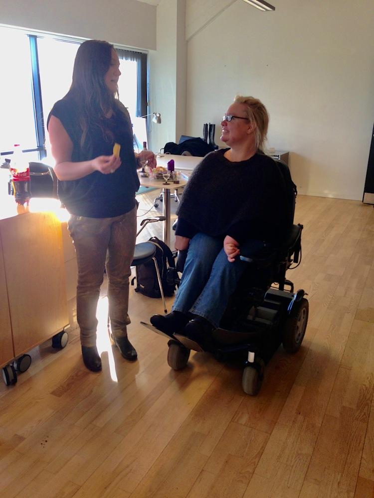 Taler med forfatteren til reception med bogen Kreativitet, knofedt og kærlighed @ Kirsten K Kester | Koloritten.com